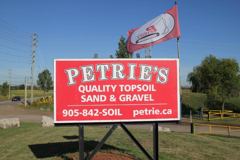Petrie's Quality Topsoil Ltd - Photo 1