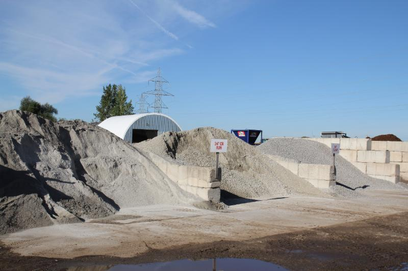 Petrie's Quality Topsoil Ltd - Photo 6