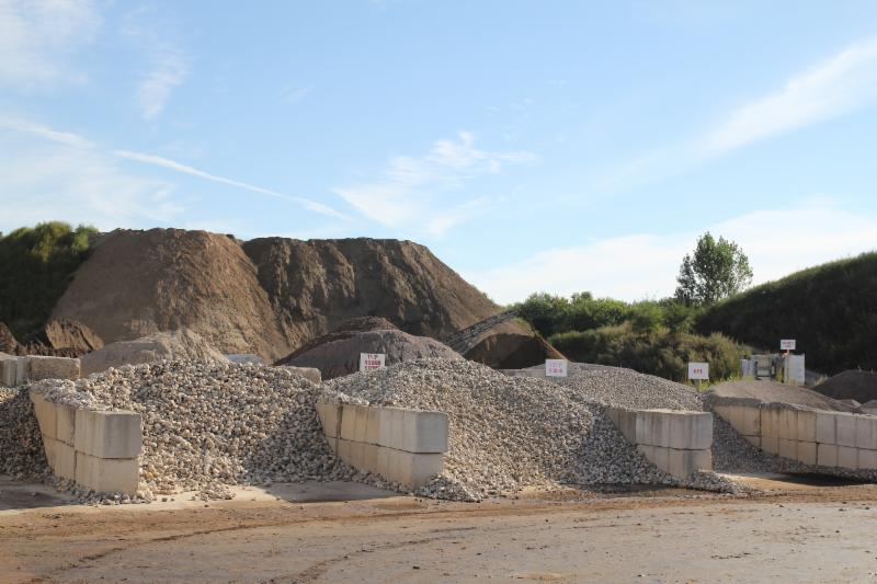 Petrie's Quality Topsoil Ltd - Photo 7