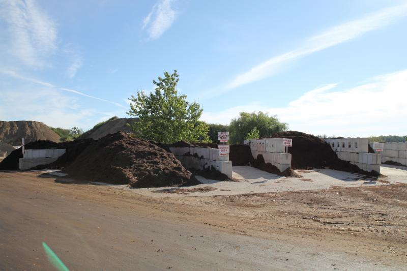 Petrie's Quality Topsoil Ltd - Photo 9