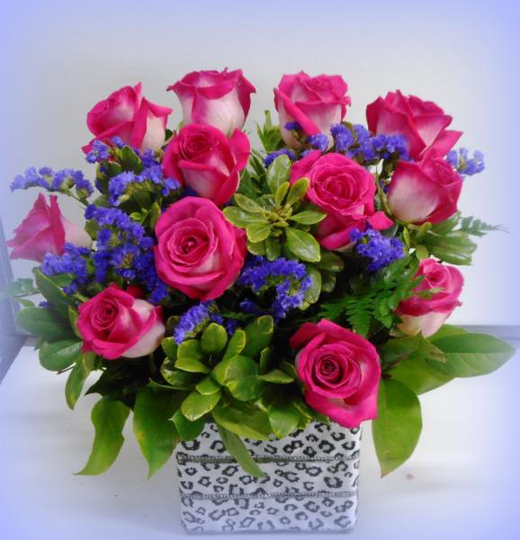 abbotsford florist-buckets flowers-hot pink rose arrangement - Buckets Fresh Flower Market
