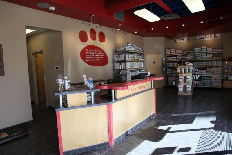 Dog & Cat Hospital - Photo 1
