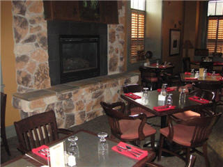 Ranch House Restaurant & Bar - Photo 4