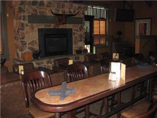 Ranch House Restaurant & Bar - Photo 6