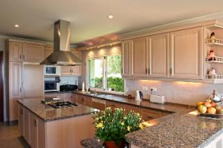 Brampton Kitchen Cabinets - Photo 4