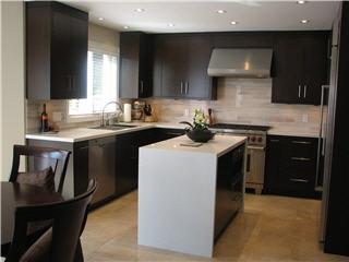Oakville Kitchen & Bath Centre - Photo 3