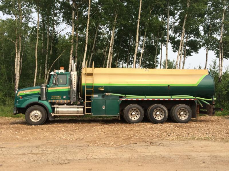 M A C Trucking Ltd - Photo 5