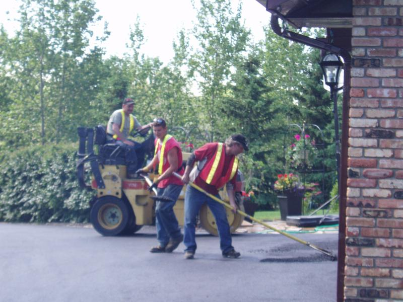 Calgary Paving Ltd - Photo 3