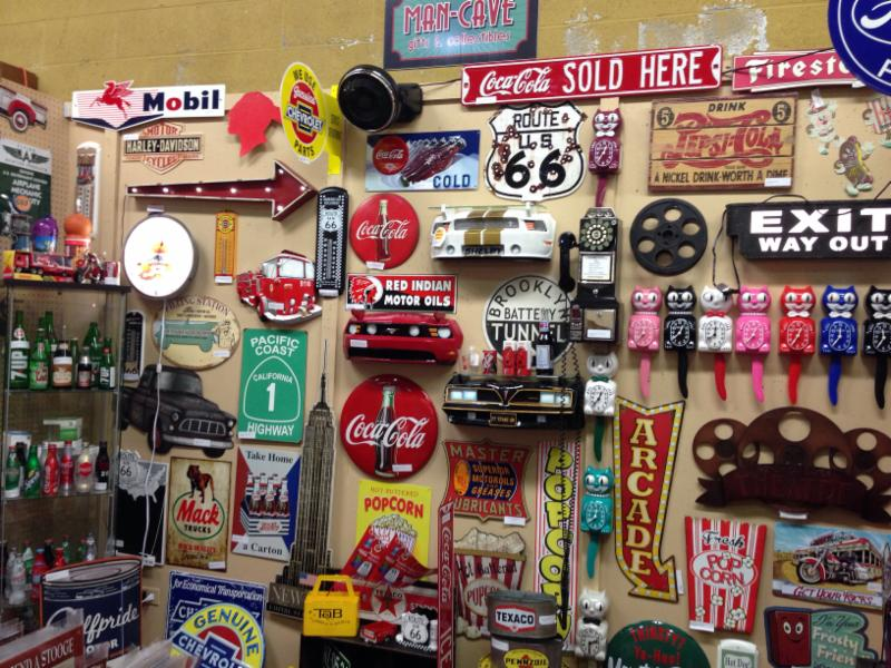 Village Antiques Mall - Photo 5