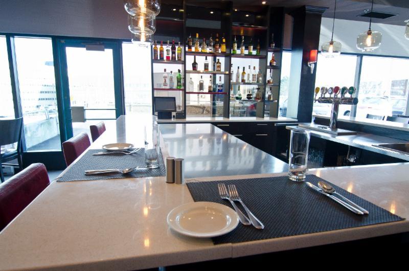 Momento Restaurant - Photo 10