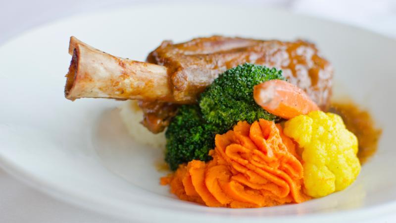 Momento Restaurant - Photo 2