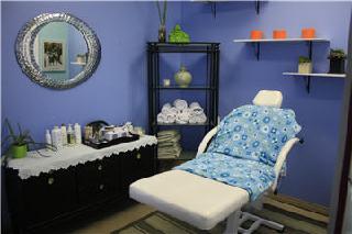 Vertigo Hair Salon - Photo 2