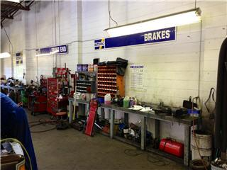 Searle's Auto Repair - Photo 5