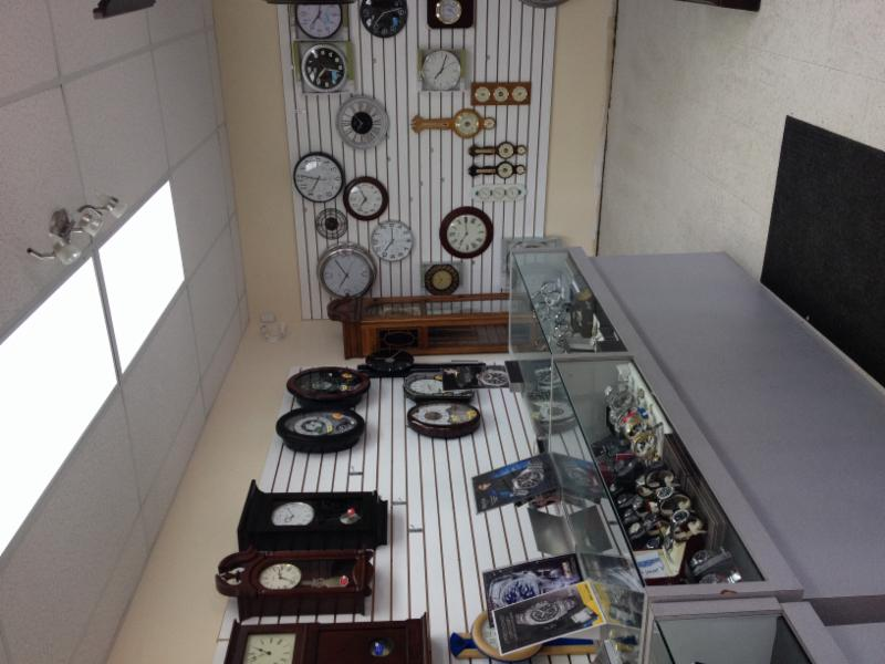 Landmark Clock Shop - Photo 3