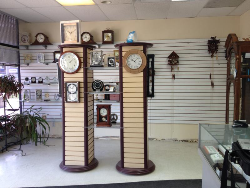 Landmark Clock Shop - Photo 2