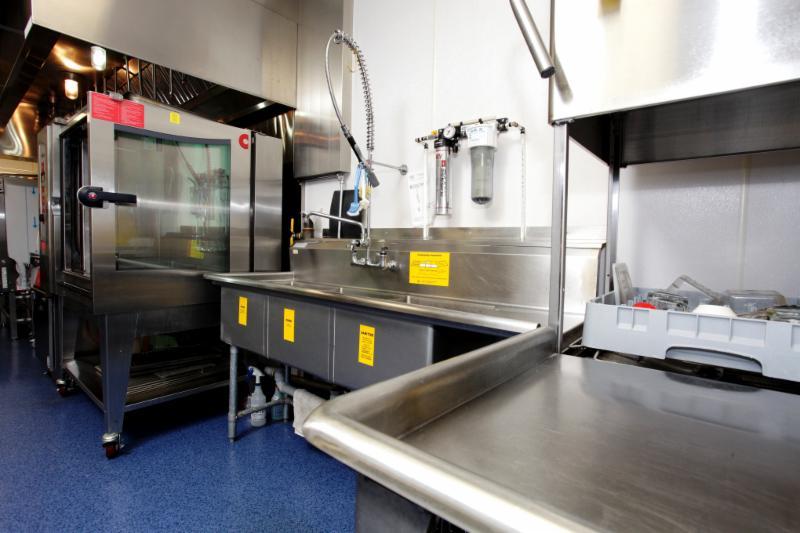 A plus restaurant equipment supplies winnipeg mb for Equipement resto plus
