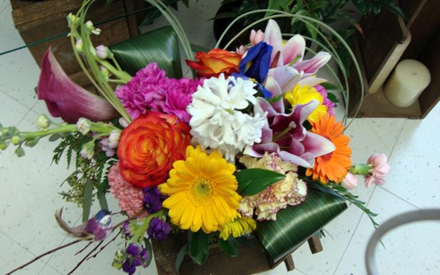 Whitehorse Flowers Etc - Photo 7