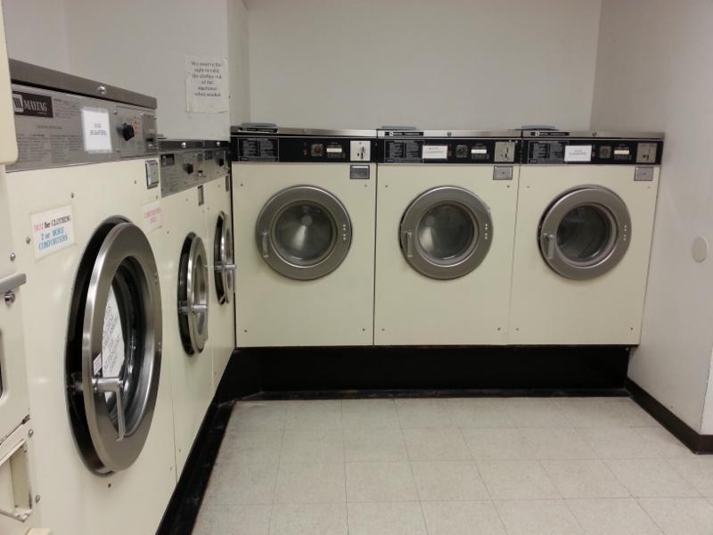 Laundry World - Photo 2