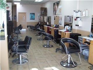 Salon De Coiffure Le Chalet Enr - Photo 2