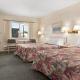 Journey Inn - Hotels - 250-545-2161