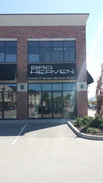 Creatabls Clothing- Bra Heaven - Photo 1