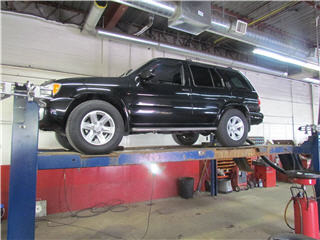 Dougs Auto Repair - Photo 2