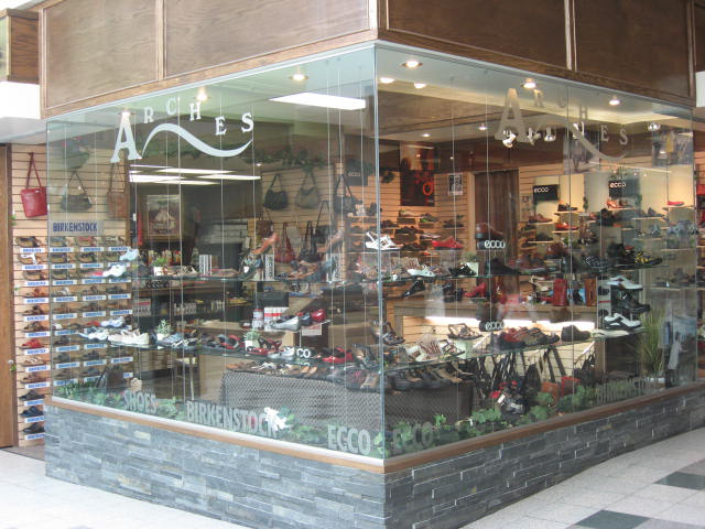 Arches Shoe Store - Photo 4