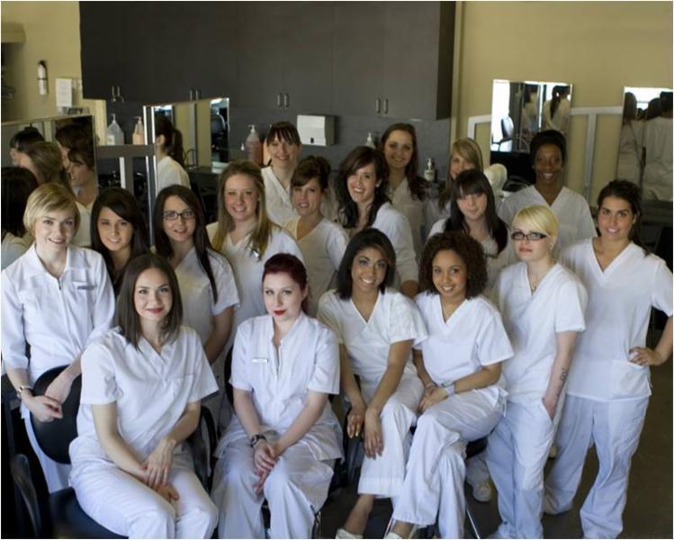 Versailles Academy of Make Up Arts - Esthetics-Hair - Photo 3