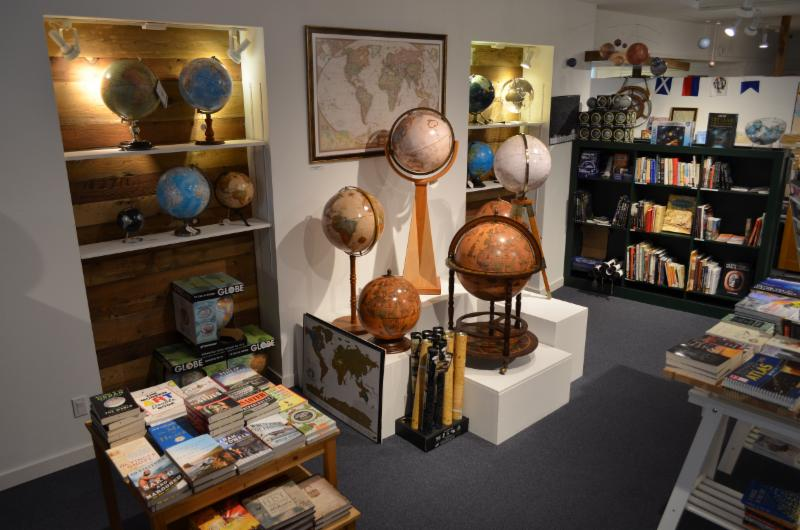 A World Of Maps & Travel Books - Photo 2