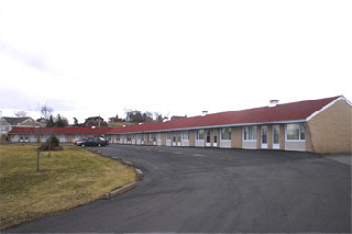 Downeast Motel - Photo 6
