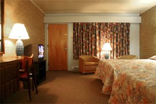 Downeast Motel - Photo 9