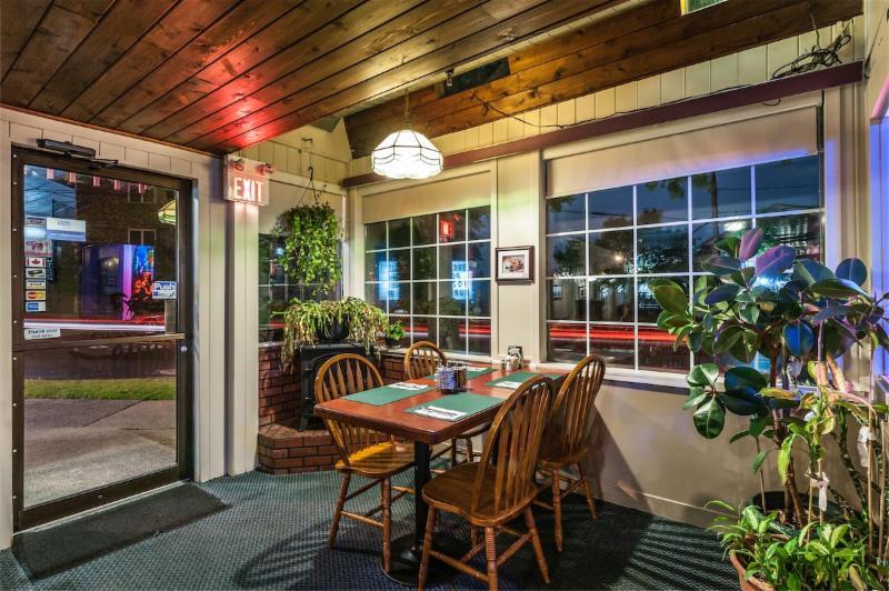 Chebucto Inn - Photo 7
