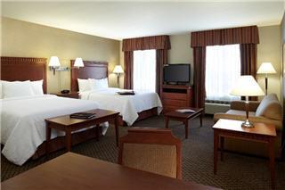 Hampton Inn & Suites by Hilton Montreal (Dorval) - Photo 2