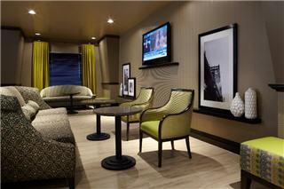 Hampton Inn & Suites by Hilton Montreal (Dorval) - Photo 9