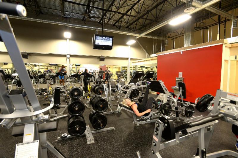 Club Phoenix Fitness - Photo 2