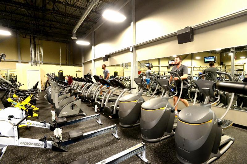 Club Phoenix Fitness - Photo 3