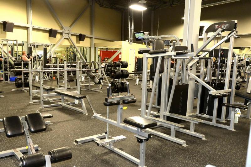Club Phoenix Fitness - Photo 5