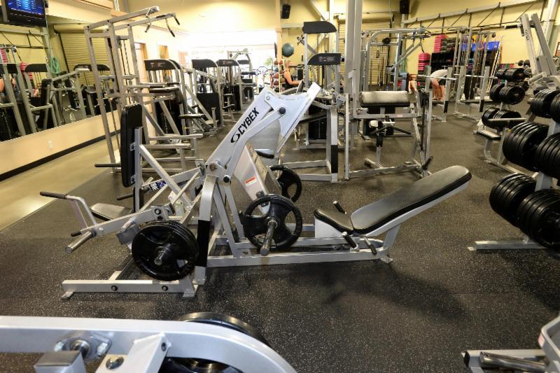 Club Phoenix Fitness - Photo 8