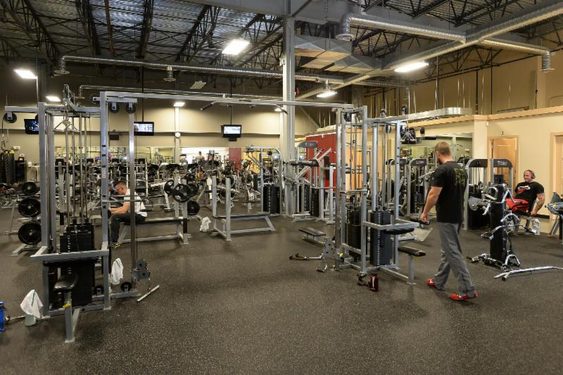 Club Phoenix Fitness - Photo 9