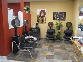 Tique Hair Studio - Photo 4