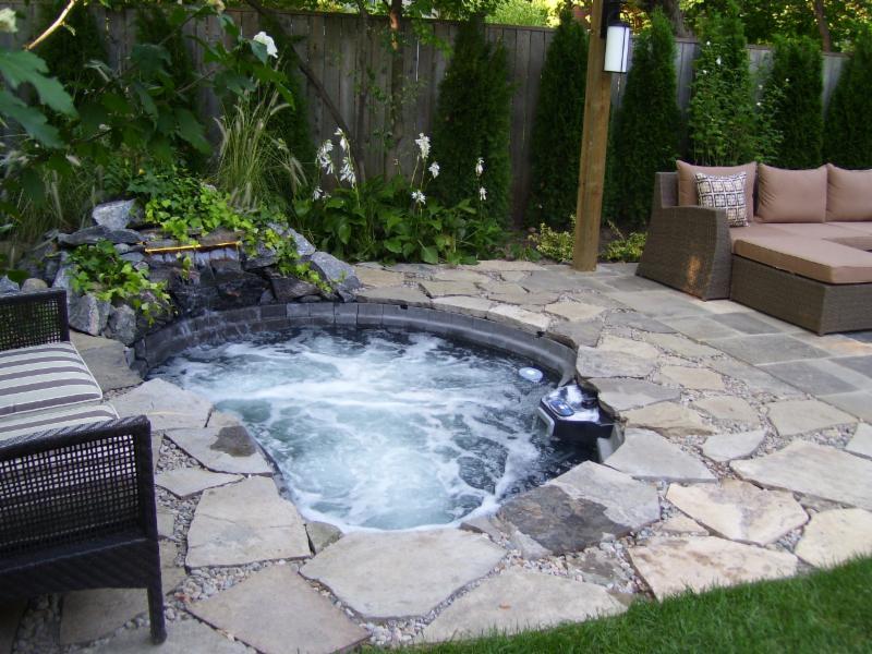 Ponds in the city indoor outdoor water garden for Water garden construction