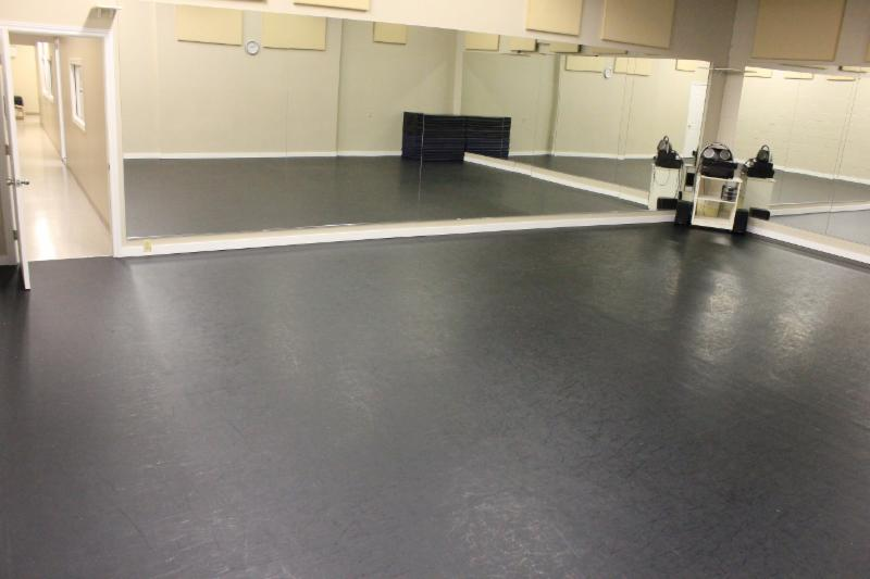 Kicks Dance Studio - Photo 6