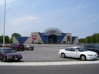 Niagara Square Shopping Centre - Photo 2