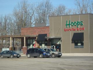 Niagara Square Shopping Centre - Photo 6