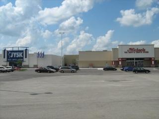 Niagara Square Shopping Centre - Photo 7