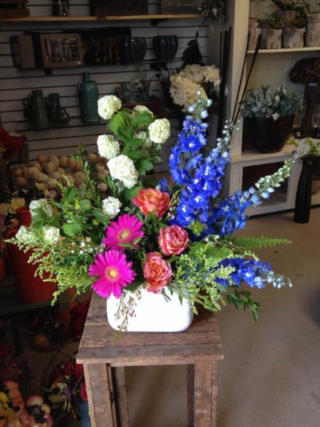 Sandra Miller Floral Designs Inc - Photo 1