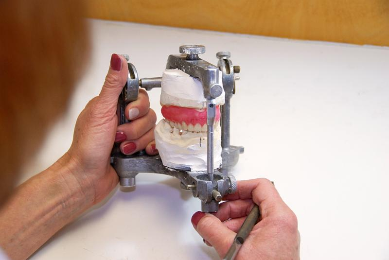 Barthmann Denture Clinic - Photo 9