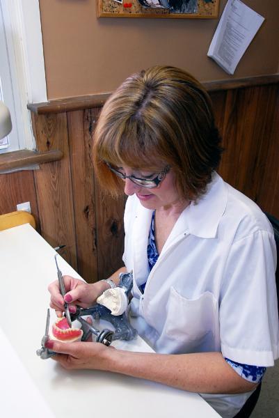 Barthmann Denture Clinic - Photo 8
