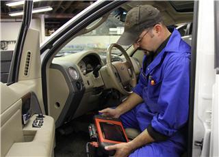 Dick's Auto & Truck Repair - Photo 4