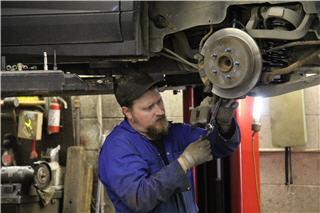 Dick's Auto & Truck Repair - Photo 3